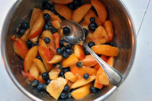 peach-and-blueberry-fruit-crisp1.jpg